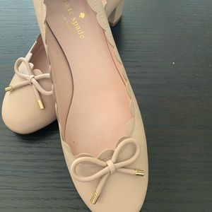 Kate Spade size us 8 beige color good condition